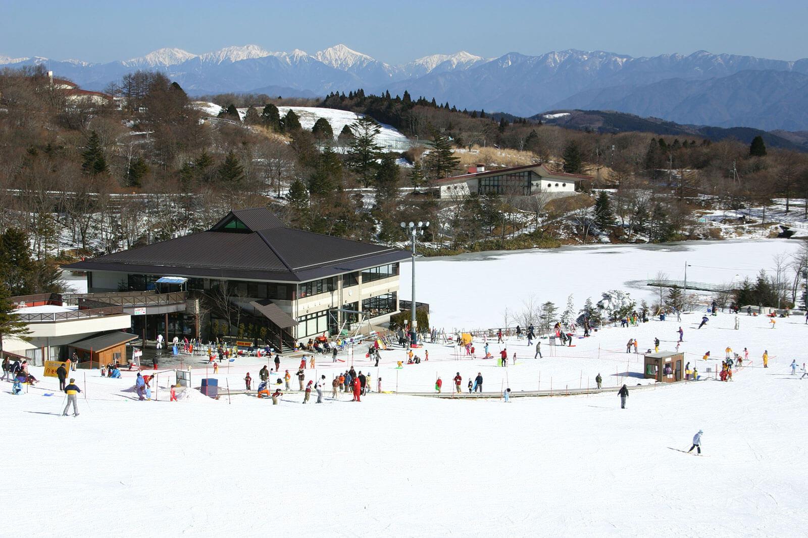 茶臼山高原 冬のゲレンデ