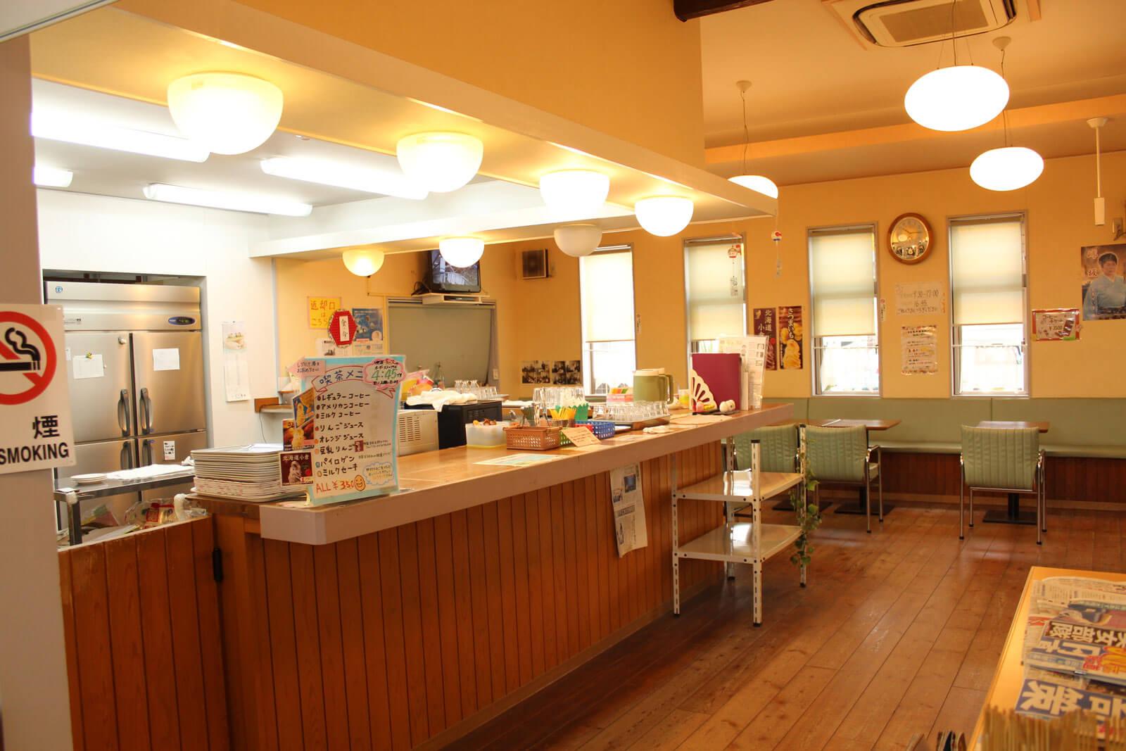 野村たまご/喫茶チャンス 店内の様子